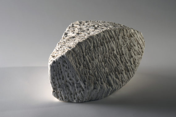 Doris Becker white stone I (photo©Luc Ewen)